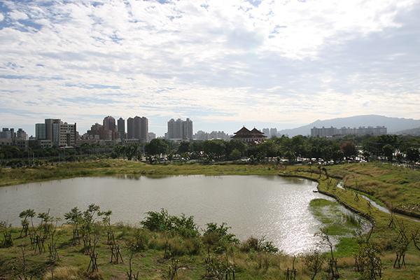城鄉景觀營造以永續都市為目標,建構安全、適居及魅力的生態城鄉。